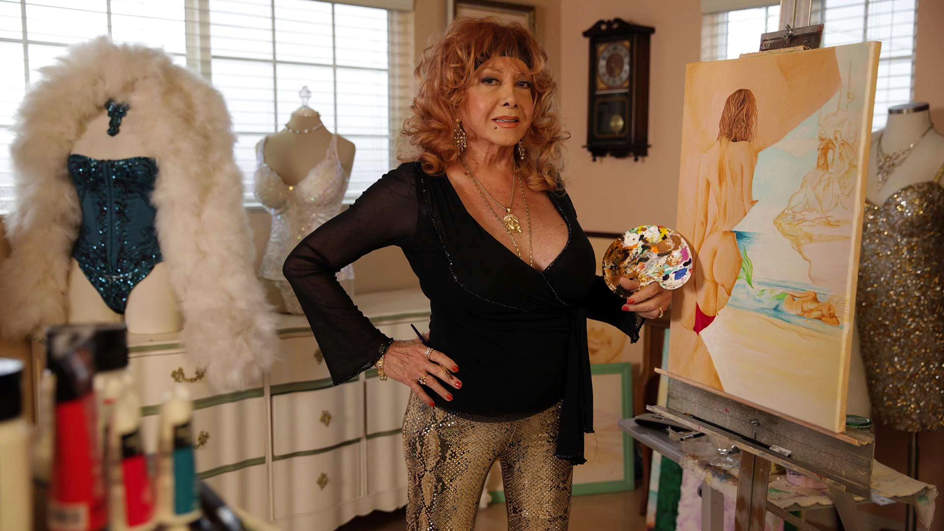 A burlesque star poses in the documentary League Of ExotiqueDancers