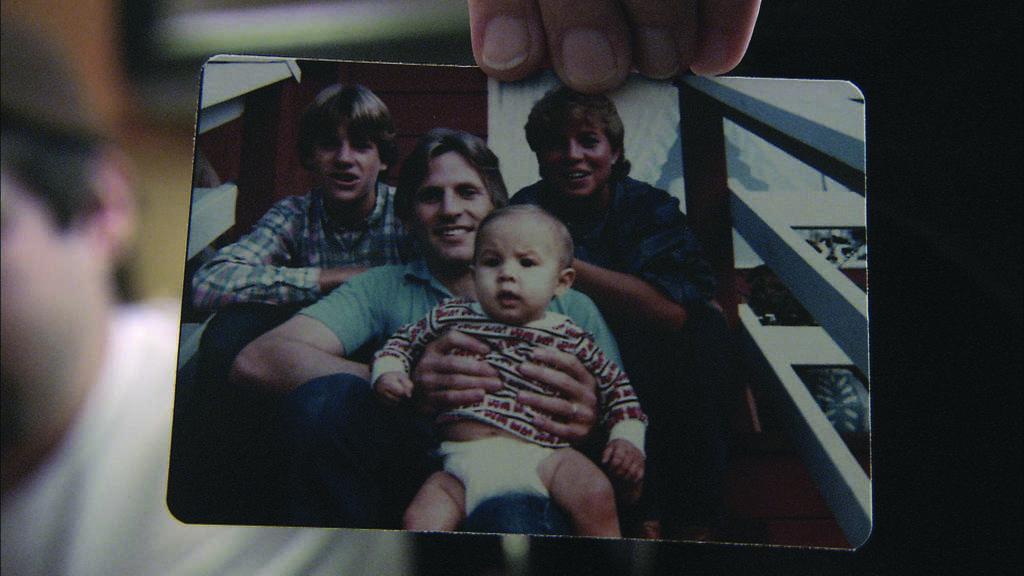 """A family picture is shown to the camera in the documentary """"Forgetting Dad"""""""