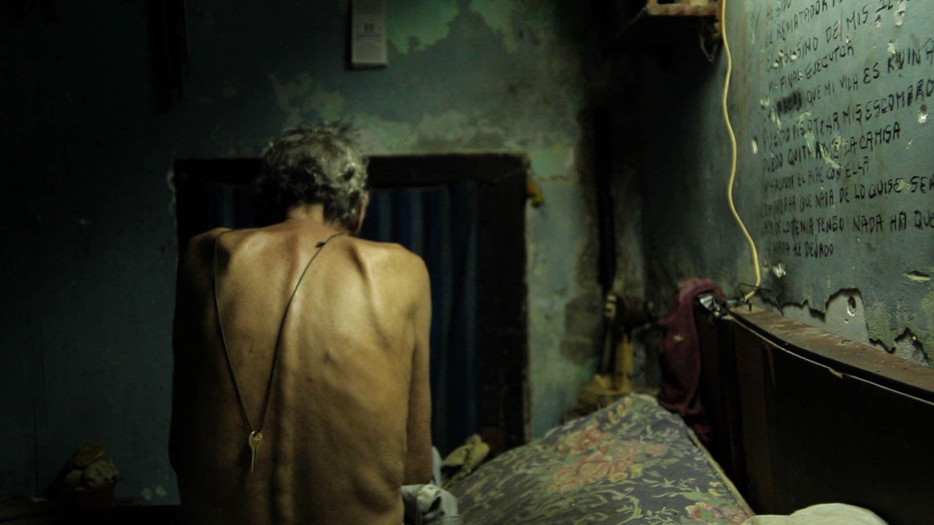 Jorge, an old cuban man in Hotel Nueva Isla, the documentary