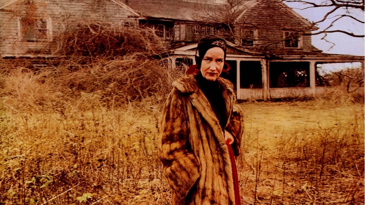 Edith Bouvier and Edith Ewing Bouvier in the documentary Grey Gardens