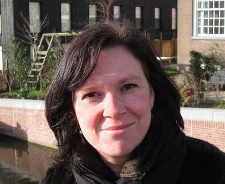 Estelle Bovelander